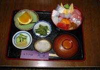 海鮮丼 1575円の写真
